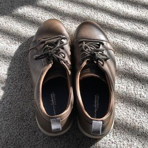 Men's Tommy Bahama lace up shoes